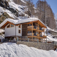 THE ATMOSPHERE OF A MOUNTAIN CHALET